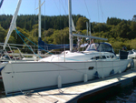 Pepe, a very fresh and well equipped Jeanneau 32